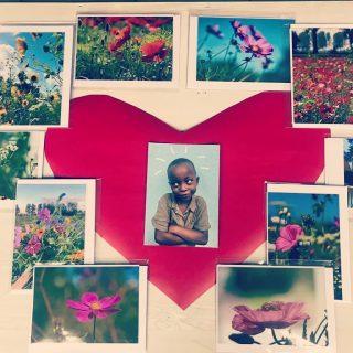 Stuur een pakketje kaarten voor Valentijn, dat is weer eens iets anders! 💖 Bestel ze bij ons en de opbrengst gaat volledig naar @4watoto ! 💐💌
